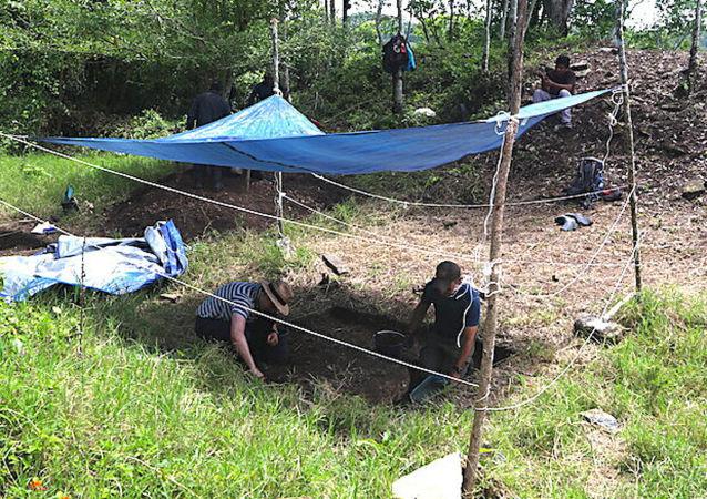 考古学家发现最大最早玛雅建筑