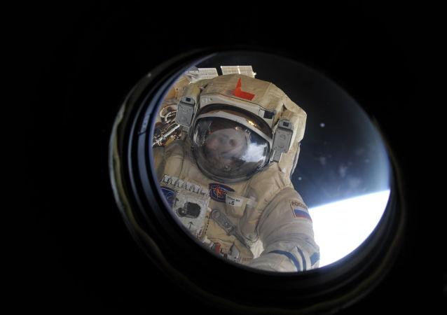 """俄专家:要想深空飞行应增强飞船阻隔辐射的能力而非把宇航员变成""""生化人"""""""