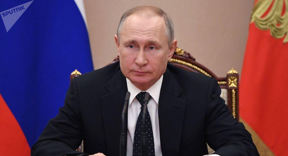 普京表示预计世界经济将因新冠病毒而衰退