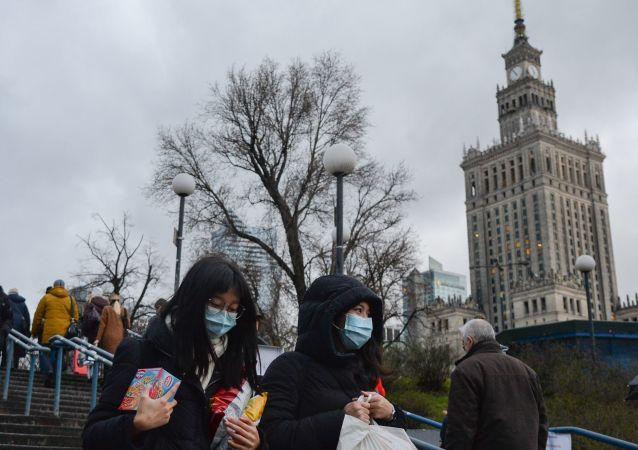 波兰内政部医院护士将成为首位接种新冠疫苗的人