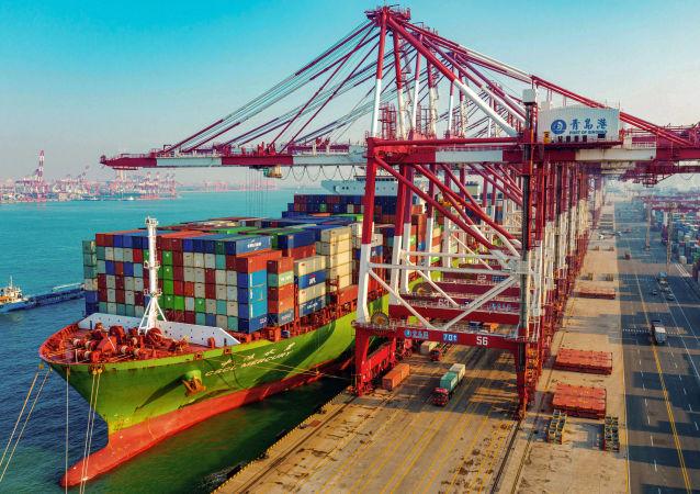 俄海关:第一季度俄中双边贸易额为245亿美元同比下降下降2.8%