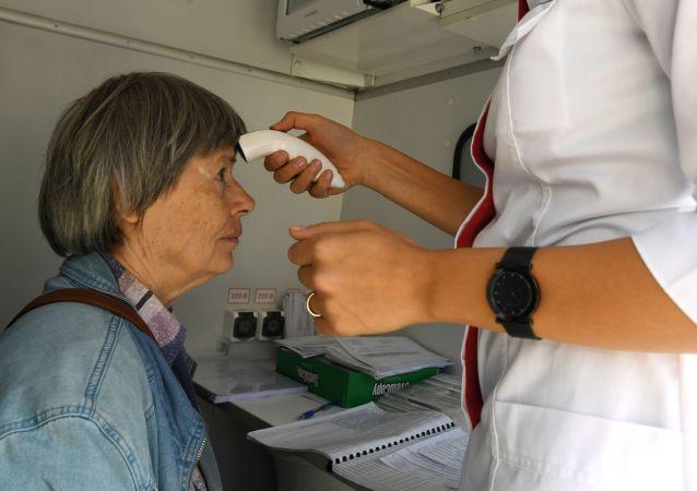 俄卫生部长:目前80%的俄新冠患者居家治疗