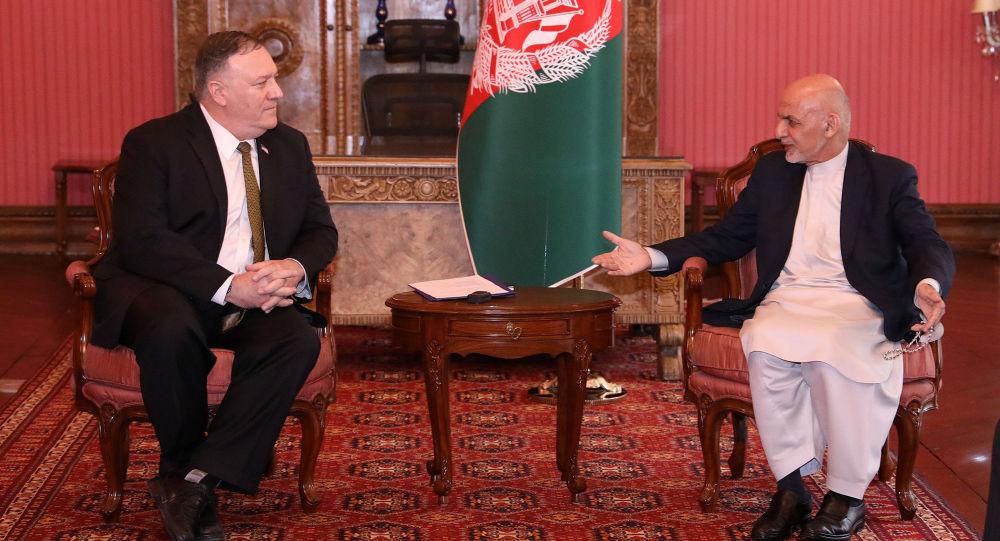美国国务卿蓬佩奥与阿富汗总统阿什拉夫·加尼举行会晤
