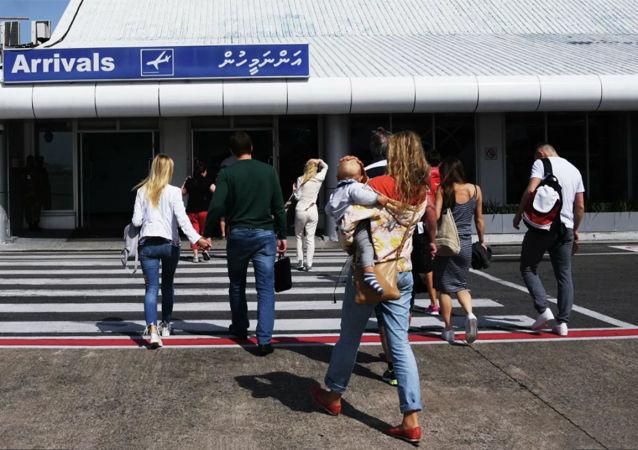 旅游的人在机场