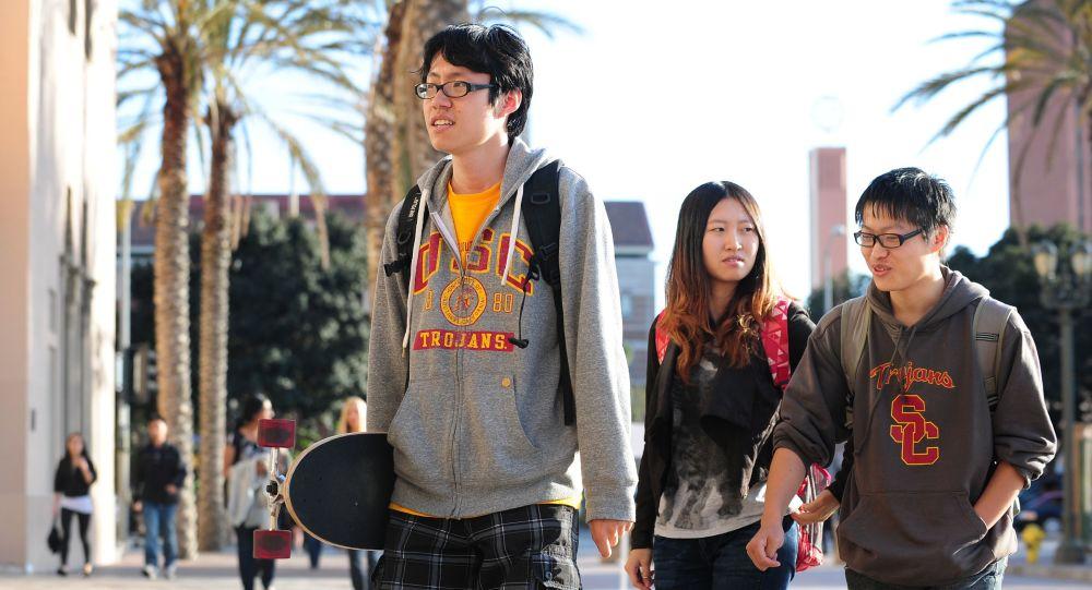 在美中国留学生