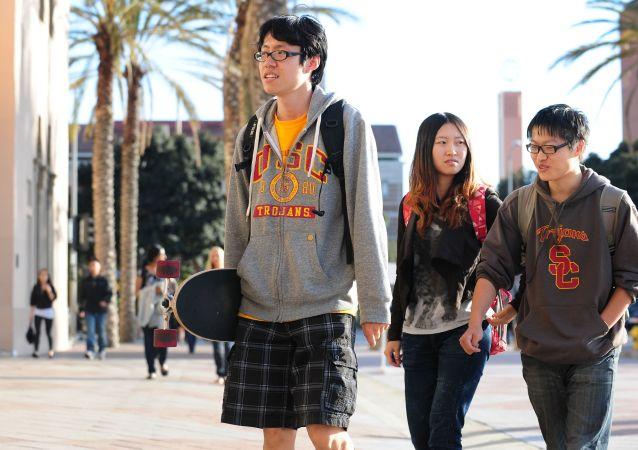 中国学生能恢复留美