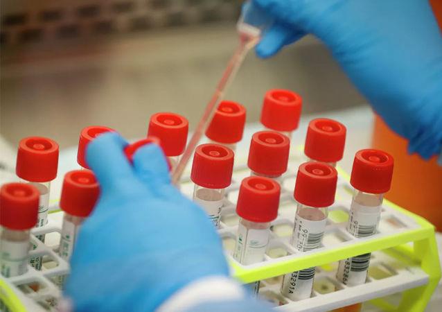 预测COVID-19大流行的流行病学家谈如何消灭流行病