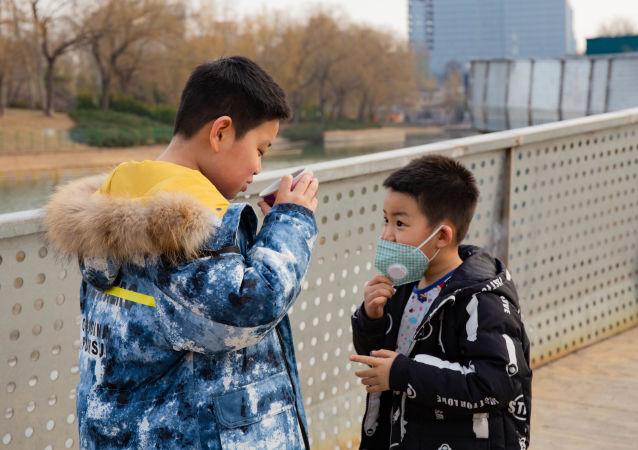 科学家解释口罩对儿童保护性差的原因