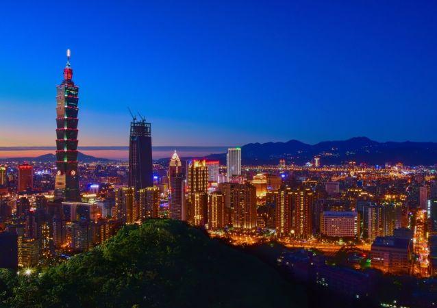 台湾夜间突然发射多枚神秘导弹 台媒:东海岸传巨响