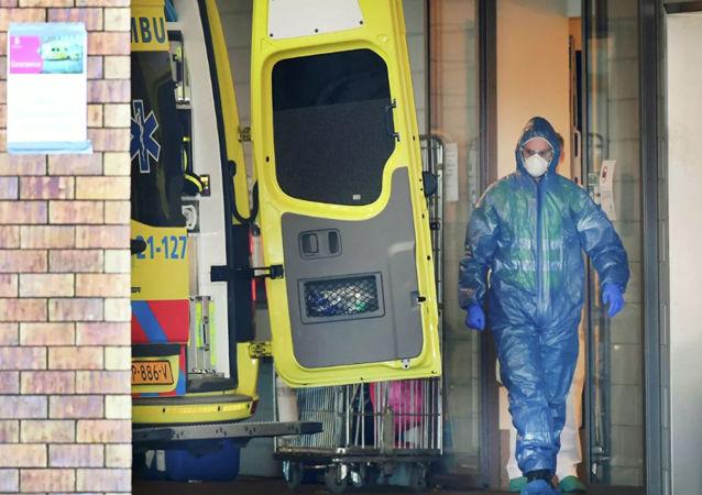 荷兰新冠病毒确诊人数突破2.6万 2800多人死亡