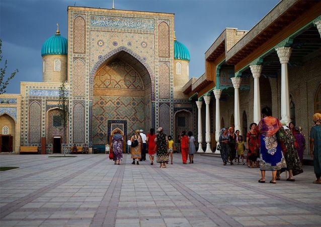 """乌兹别克斯坦外交部:中亚五国外长23日将与美国国务卿举行""""C5+1""""会谈"""