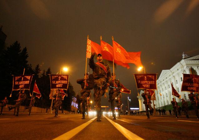 白俄罗斯国防部:受疫情影响俄中军队将不参加明斯克胜利日阅兵式