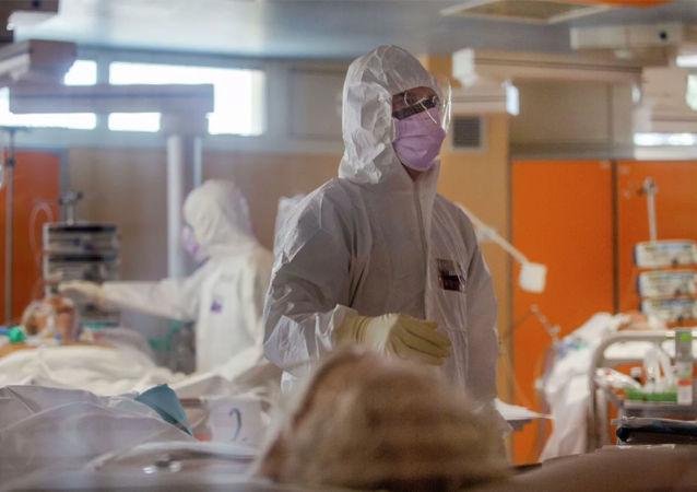 意大利医生首次为新冠病毒感染患者实施肺移植手术