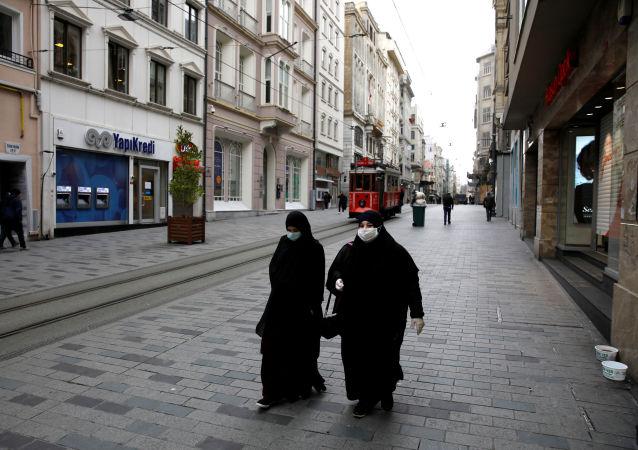 土耳其单日新增新冠病毒病例数再次破纪录 超过4.4万例