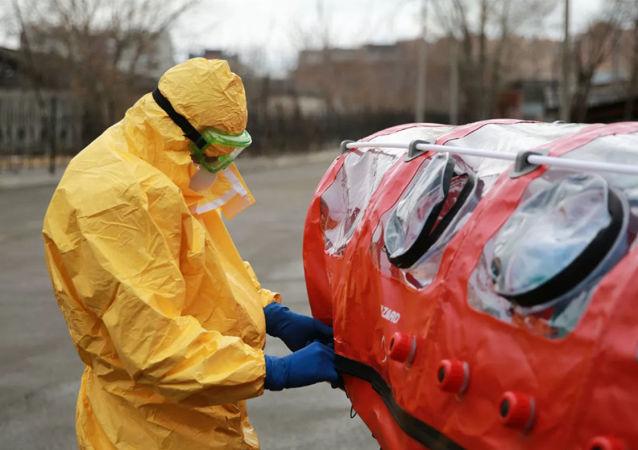 俄常驻联合国代表团与紧急情况部和国防部联合推出抗疫英雄项目