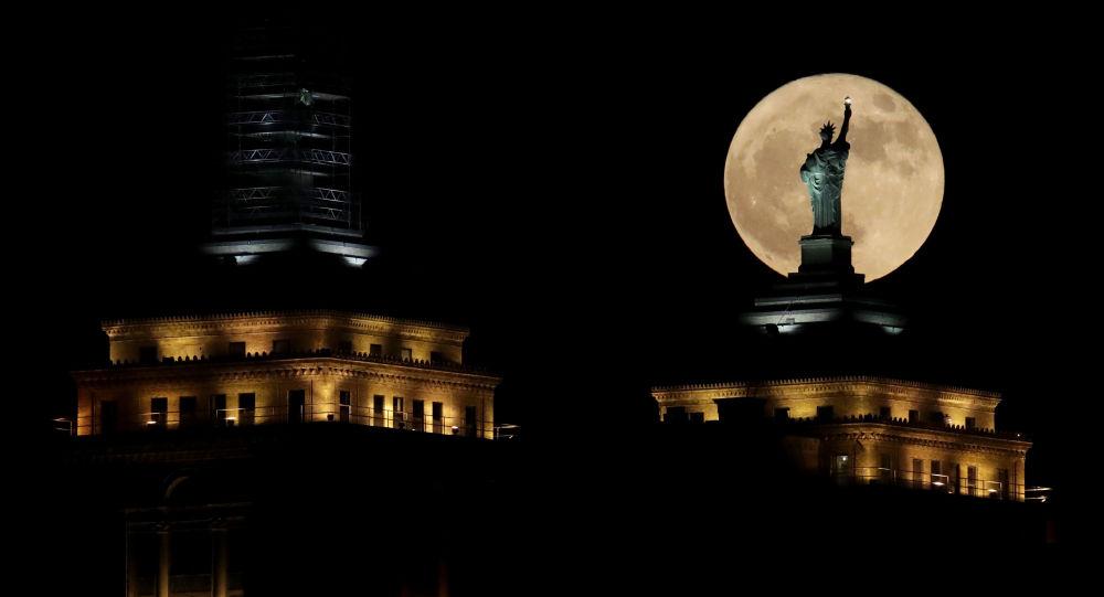 俄专家:特朗普开发月球资源的行政令可能会引发新的太空竞赛