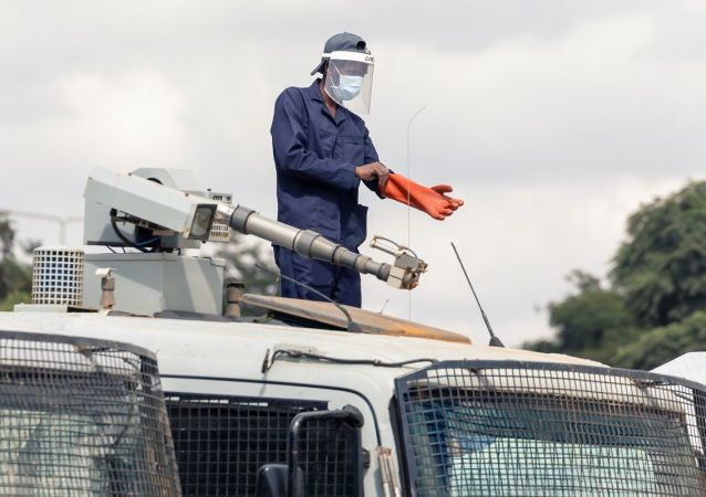 津巴布韦近2000人因违反疫情期间隔离规定被警方拘留