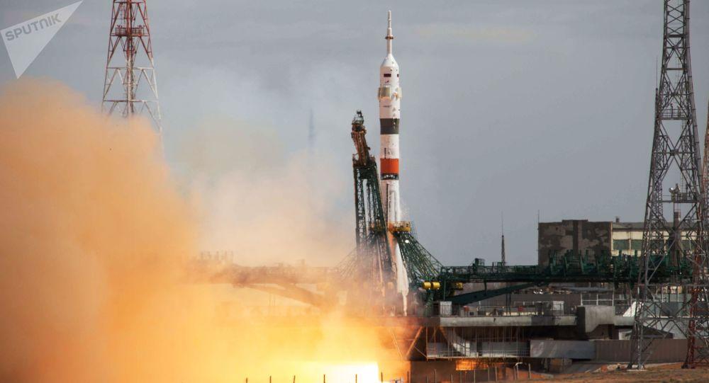 搭载宇航员的联盟MS-16飞船已与国际空间站对接