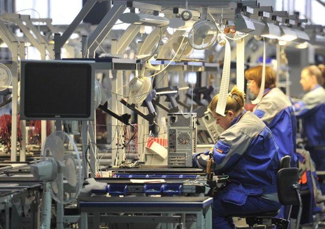 俄工贸部:俄各企业将把医疗设备产量提高到原来的30倍