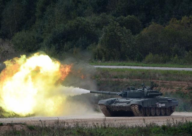 俄T-90主战坦克