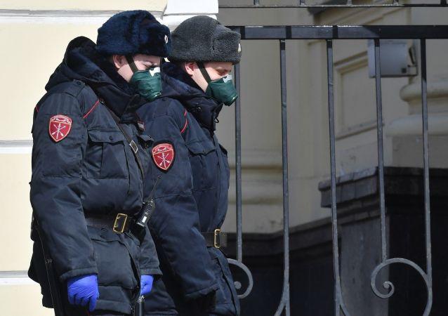 俄国家近卫军将在莫斯科因新冠病毒流行采取的限制措施加强后增加巡逻次数