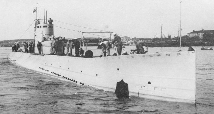 """苏联""""L-4""""潜艇"""