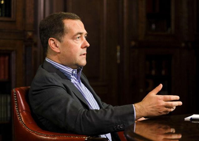 俄安全会议副主席:美国控制着域名管理系统 但不应该如此