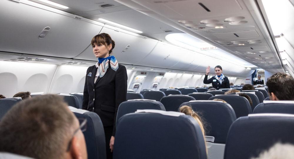 飞行员讲述为何不要在飞行中脱鞋