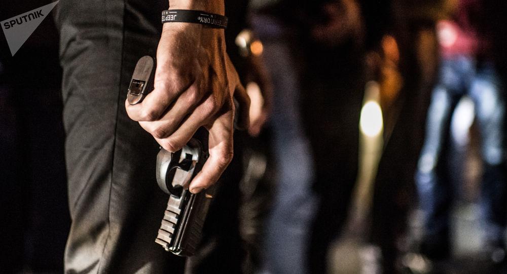 """最新型""""蟒蛇""""自动手枪开始认证工作"""