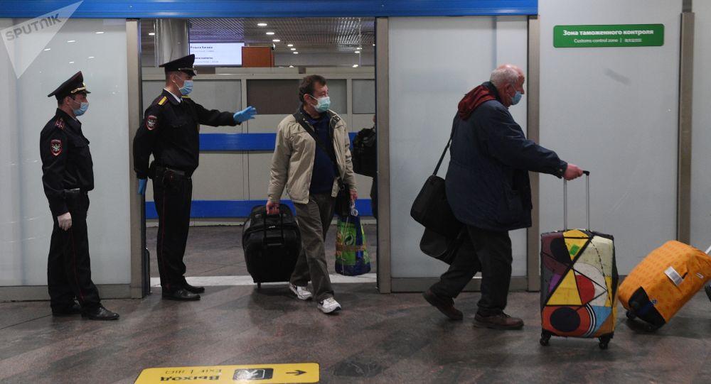 俄副总理介绍恢复国际航班时别国所应满足的三个标准