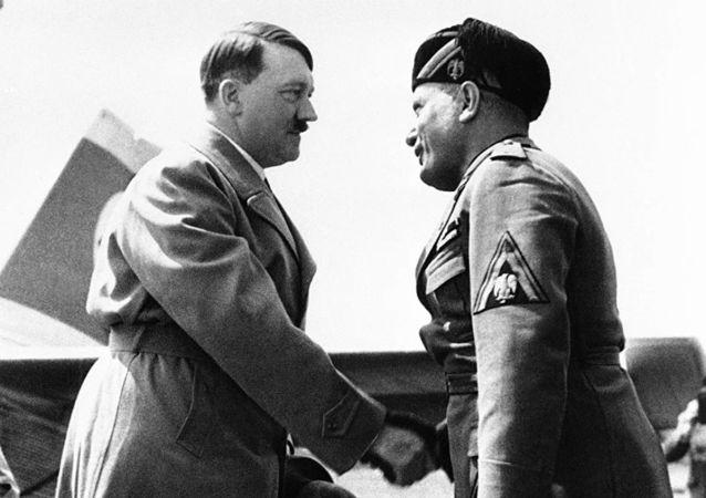 希特勒与墨索里尼