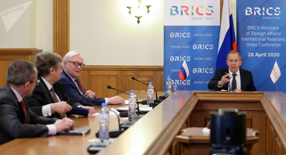 俄外长:俄不赞同哈夫塔尔关于军队接管利比亚政权的声明