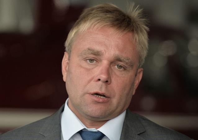 马克西姆·苏拉耶夫