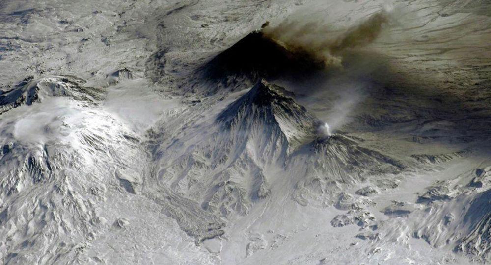 堪察加别济米扬内火山活动对当地航空造成威胁