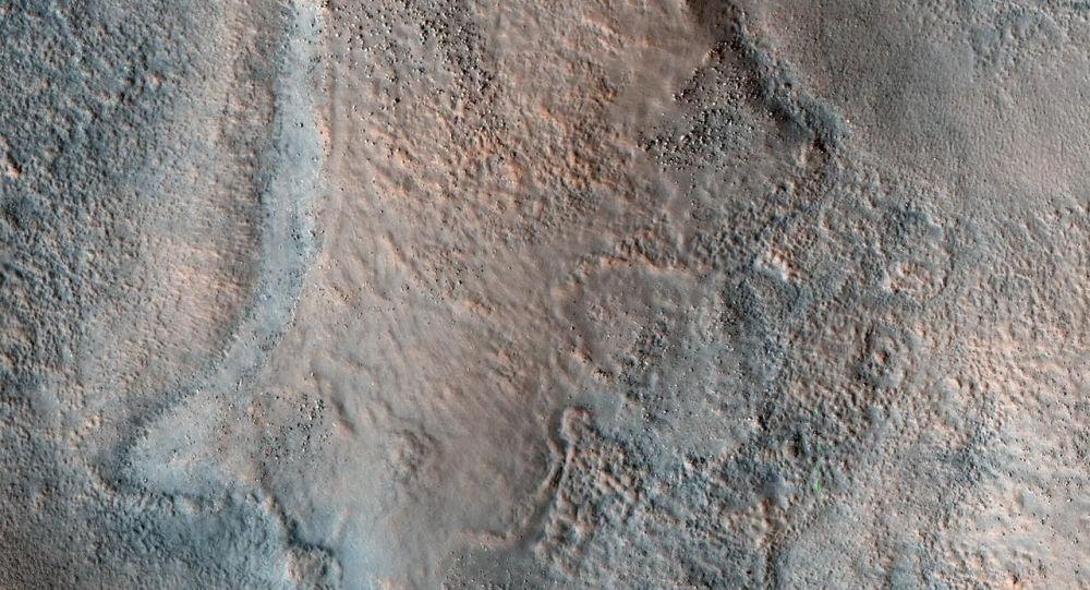 科学家发现火星古老河流痕迹