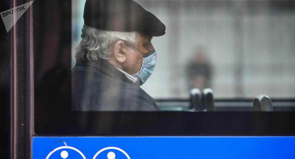 2021年俄公共汽车和出租车上将出现便携式空气消毒器