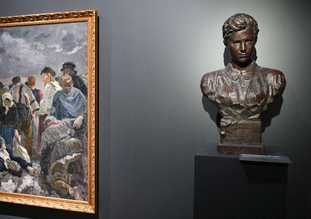 博物馆在莫斯科州卓娅•科斯莫杰米扬斯卡娅处决现场开馆