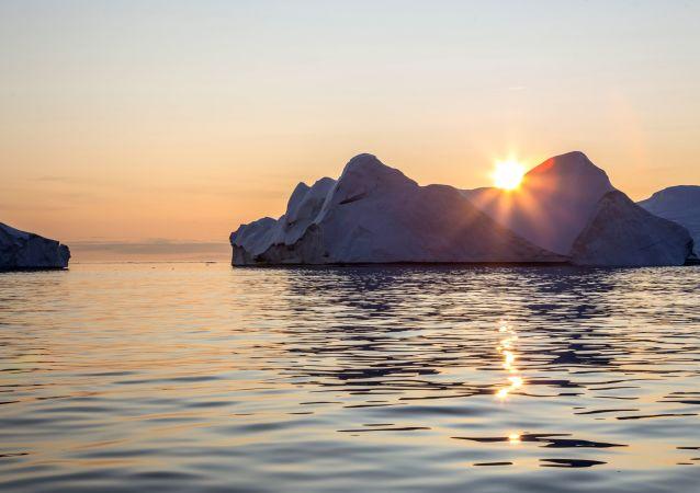 格陵兰岛冰川融化速度超出预期