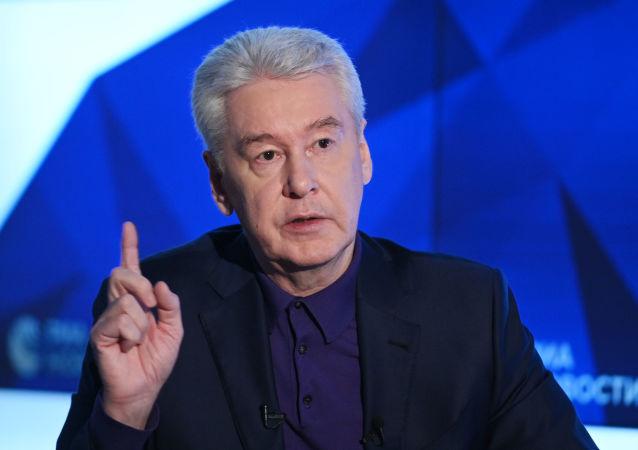 莫斯科市长:解除自我隔离措施不应导致新冠病毒传播