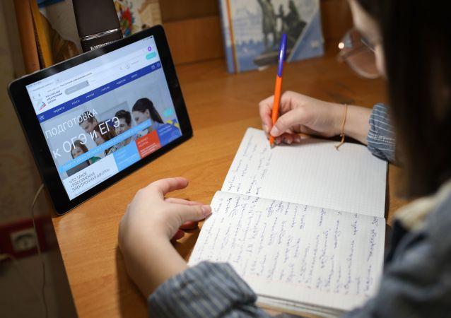 俄教育科学监督局:俄国家统考可能会推迟到6月中旬