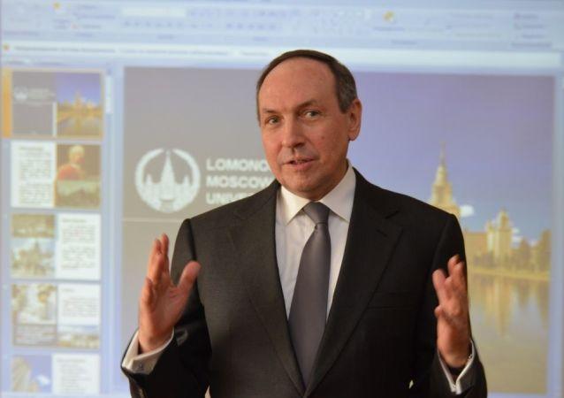 俄罗斯国家杜马科教委员会主席维切斯拉夫·尼科诺夫