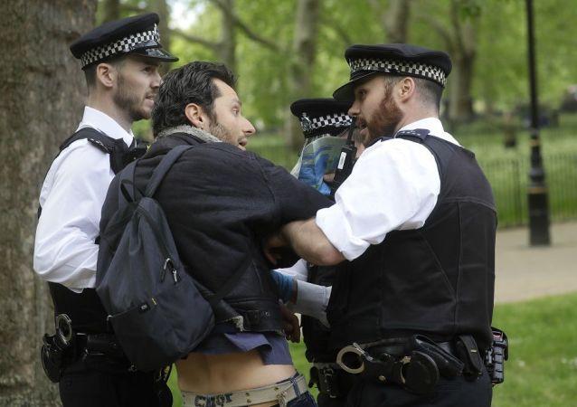 伦敦警方拘捕19名在海德公园抗议防疫措施者