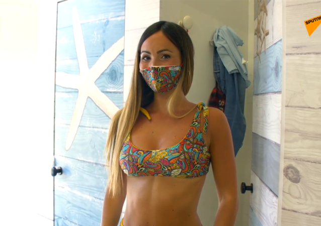 2020年夏季必备:意大利设计师疫情期间缝制泳装