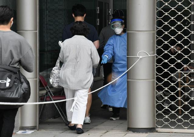韩国首尔因新冠疫情关闭夜店