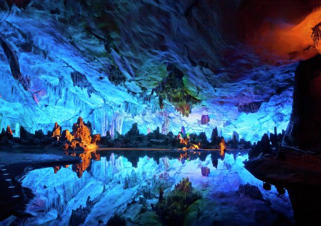地下宝藏——全球最独特的洞穴