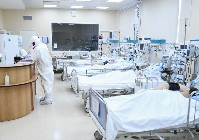 俄防疫指挥部:俄新增8599例新冠病毒感染病例 累计病例超34.4万例