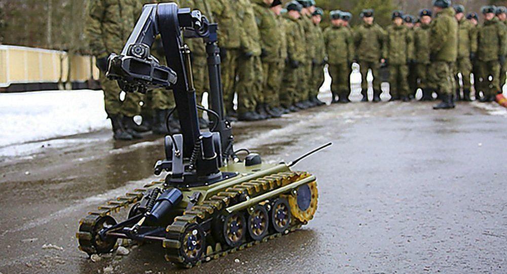 俄工程兵部队列装MIKR移动工程排雷系统