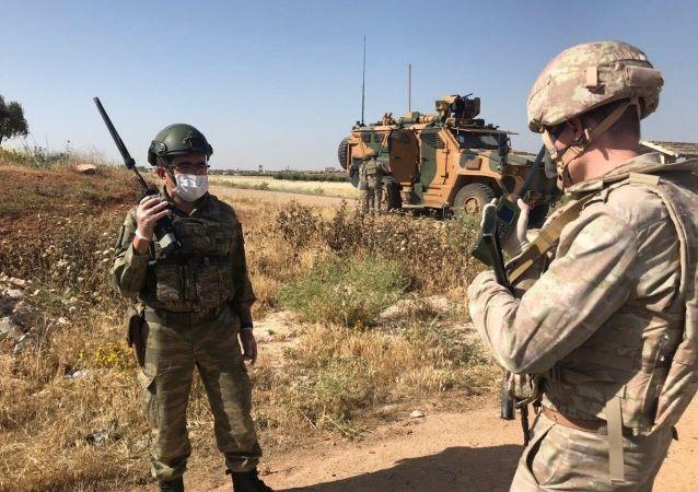 俄土在叙的巡队遇到炸弹爆炸 没有军人伤亡