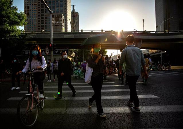中国8月份城镇调查失业率为5.6%