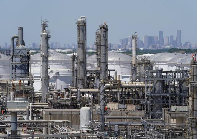 石油加工厂,美国